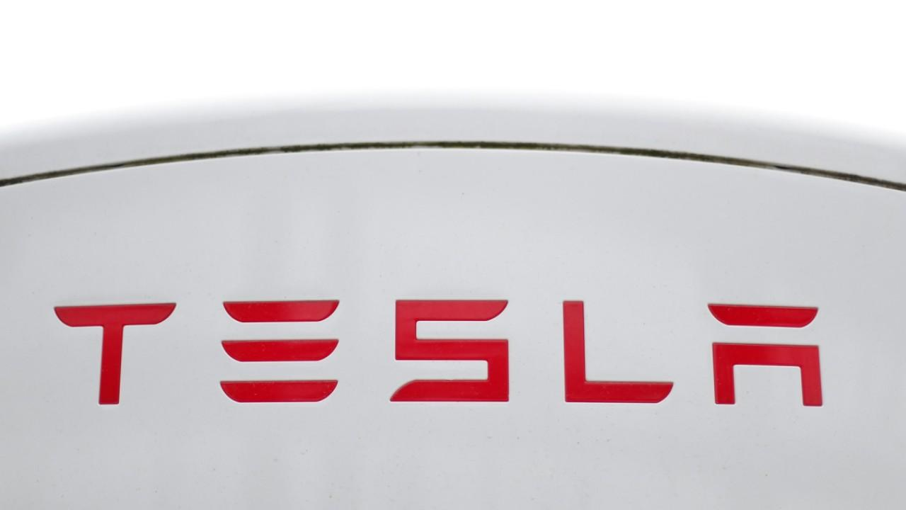 New Street Research managing partner Pierre Ferragu discusses his outlook for Tesla stock.
