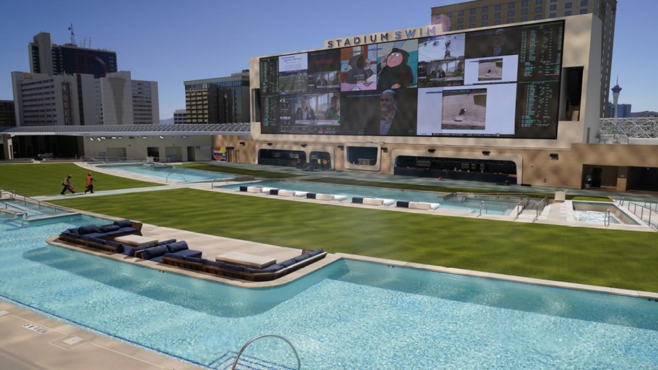 Las Vegas casino recovery threatened by new California coronavirus lockdowns