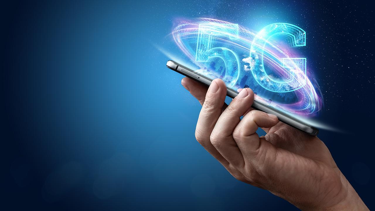 'The Cyber Guy' Kurt Knutsson breaks down the tech-specs of Apple's new iPhone 12 5G model.
