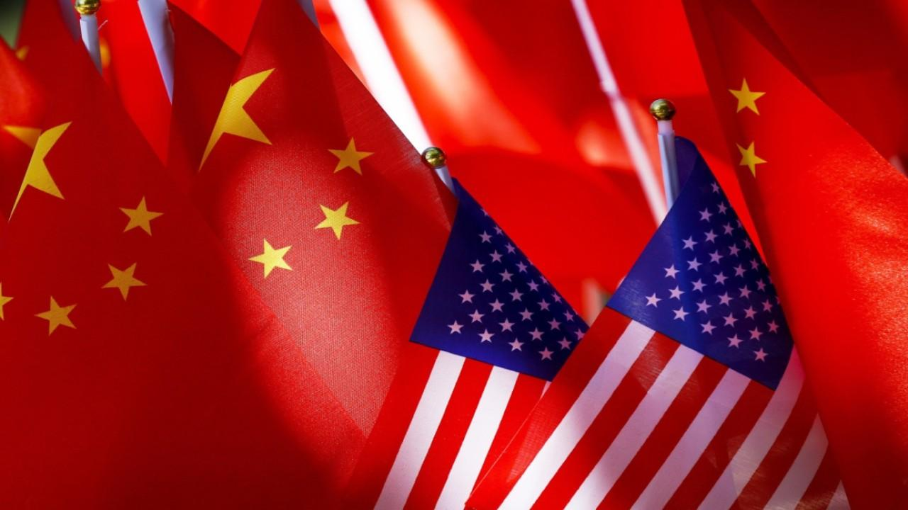 Assistant to the President for Trade and Manufacturing Policy Peter Navarro discusses President Trump's new executive order banning Americans from investing in Chinese companies that supports China's military and the presidential election.