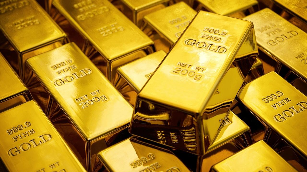 Sprott Asset Management senior managing director Ed Coyne discusses investing in gold, silver and today's markets.