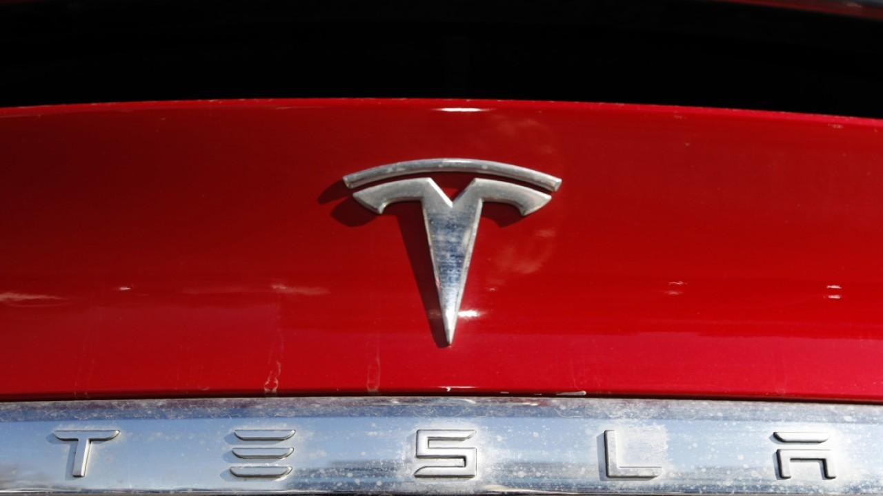New Street Research managing partner Pierre Ferragu discusses Elon Musk becoming the richest person in the world and the future of Tesla.
