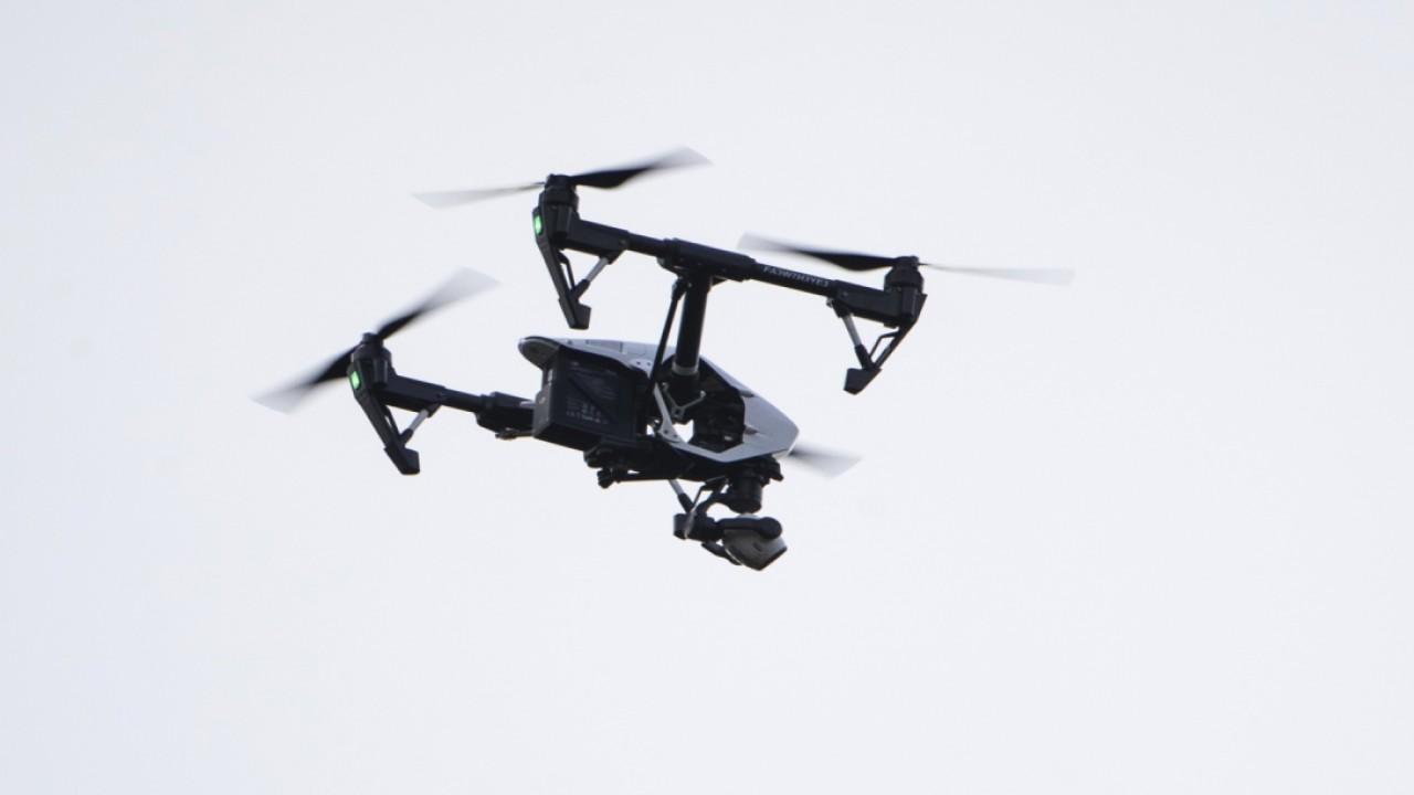 The FAA finalized drone delivery rules, allowing them to transport packages. FOX Business' Grady Trimble with more.<br>